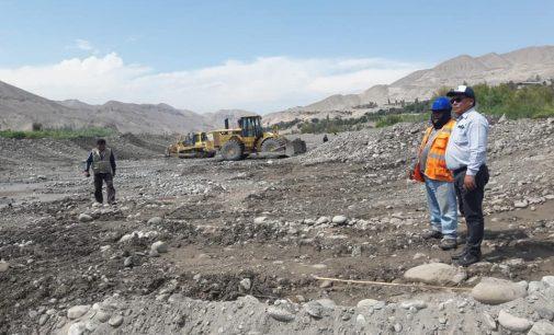 Autodema realiza trabajos de descolmatación de cauce del río Siguas