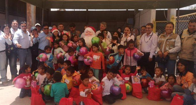 Autodema realizó agasajo a niños de I.E. Túpac Amaru II del distrito Majes