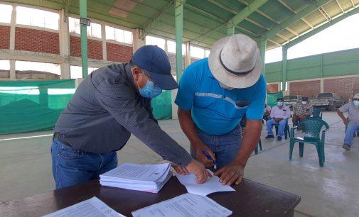 DESPUÉS DE MÁS DE 20 AÑOS, AGRICULTORES RECIBIERON RESOLUCIÓN DE PROPIEDAD DE SUS PARCELAS EN MAJES